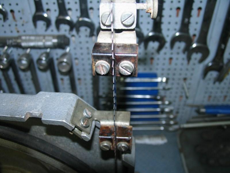 Remise en état d'une petite scie à ruban Sc08